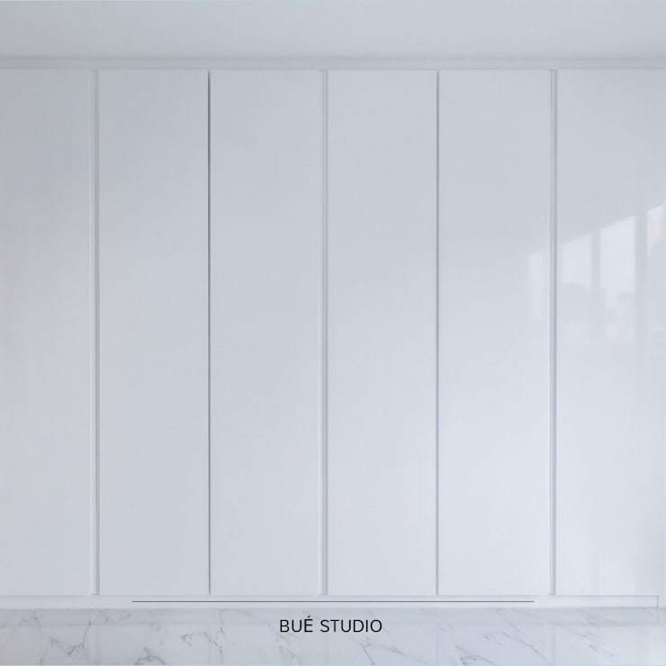 White space, we loved.:  ตกแต่งภายใน by Bue Studio Co.,Ltd.