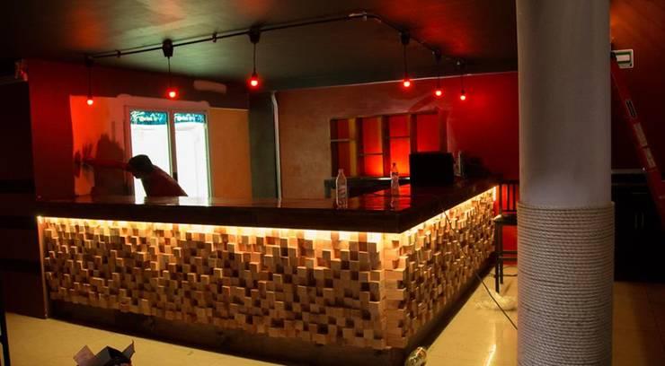 Barras para bar de ra z estudio de dise o homify - Barras de bar para salon ...
