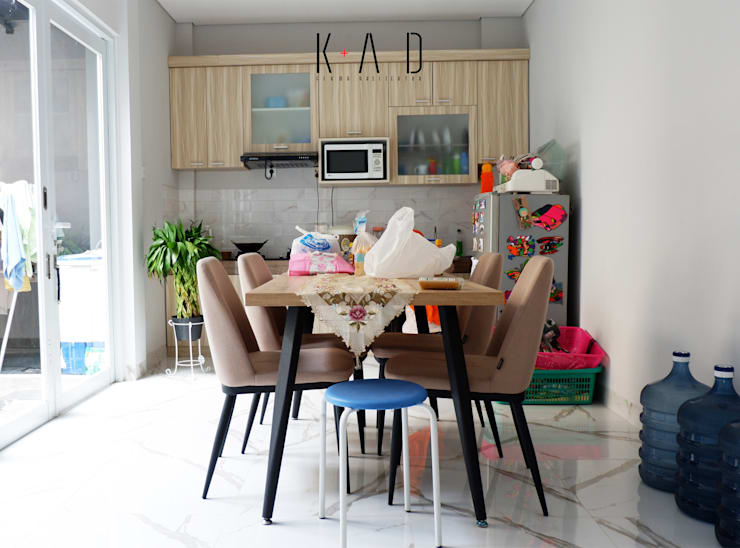 Dining Room:   by KAD Firma Arsitektur