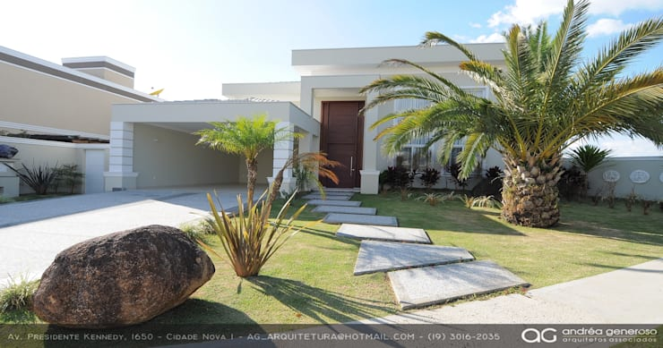 Pasillos y hall de entrada de estilo  por Andréa Generoso - Arquitetura e Construção