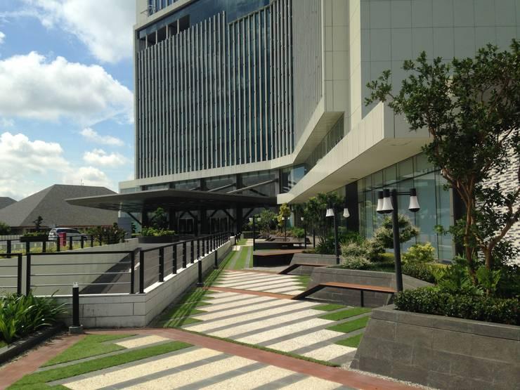 Radisson Hotel Plaza:   by KAD Firma Arsitektur