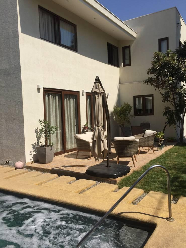 Terraza: Terrazas  de estilo  por Arqsol