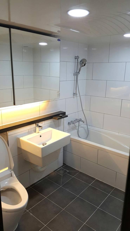 대신동아아파트 40평: 그리다집의  욕실,모던