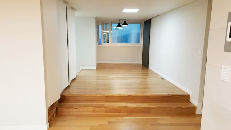 대신동아아파트 40평: 그리다집의  방,모던