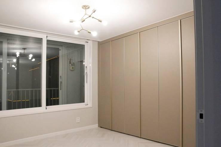 공덕 현대아파트: 그리다집의  방,모던