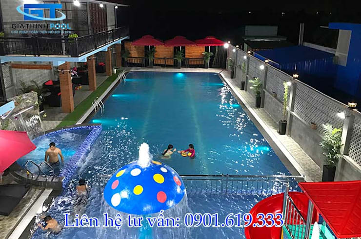 Thiết kế thi công hồ bơi kinh doanh:  de estilo  por GiaThinhPool &Spa ,