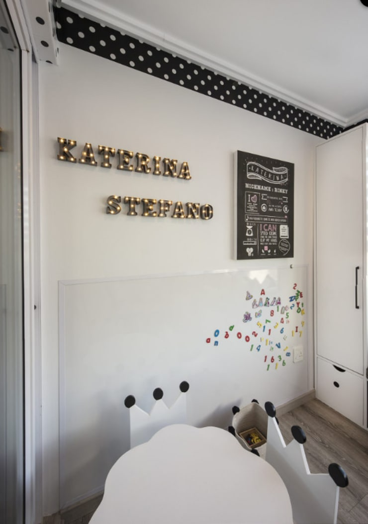 Children's Bedrooms :  Nursery/kid's room by Spegash Interiors