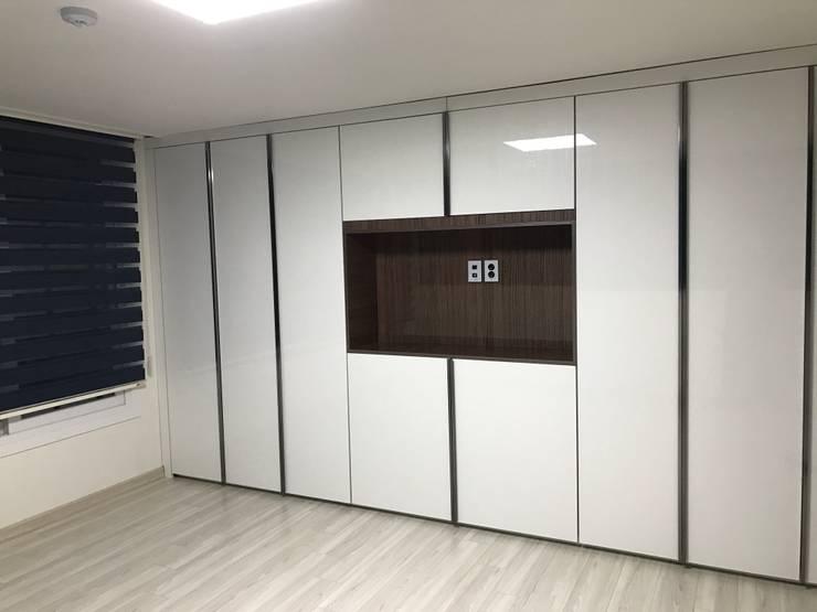 대림골든빌 49평: 디자인K하우징의  방