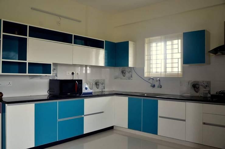 Interiors:  Kitchen by Max Interiors