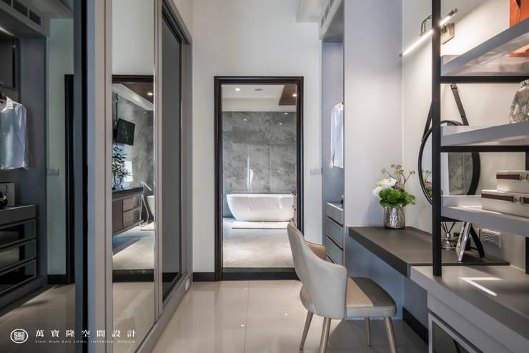 住盛不動產/天鑽V-金擘.隱斂:  浴室 by SING萬寶隆空間設計