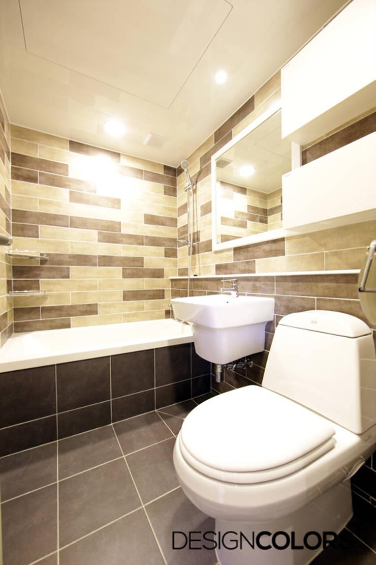 욕실: DESIGNCOLORS의  욕실,모던