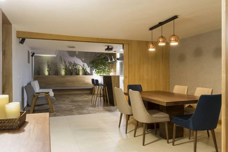 diseño interior jardín adentro Comedores de estilo clásico de Adrede Diseño Clásico