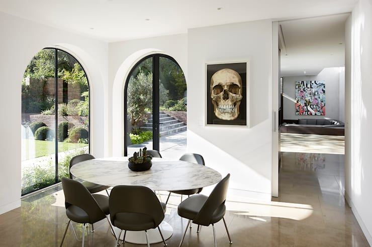 Breakfast area:  Dining room by Patalab Architecture