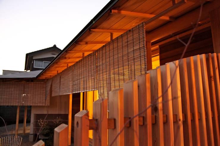 Casas de madera de estilo  por 株式会社高野設計工房