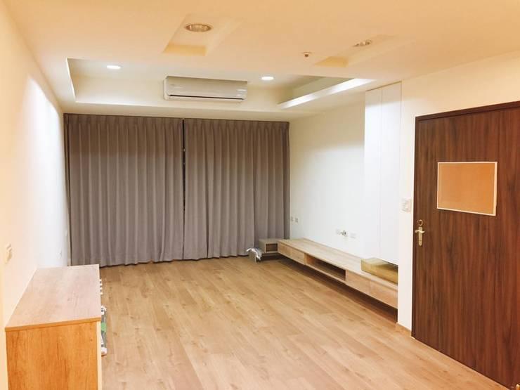 純淨無瑕:  客廳 by 圓方空間設計