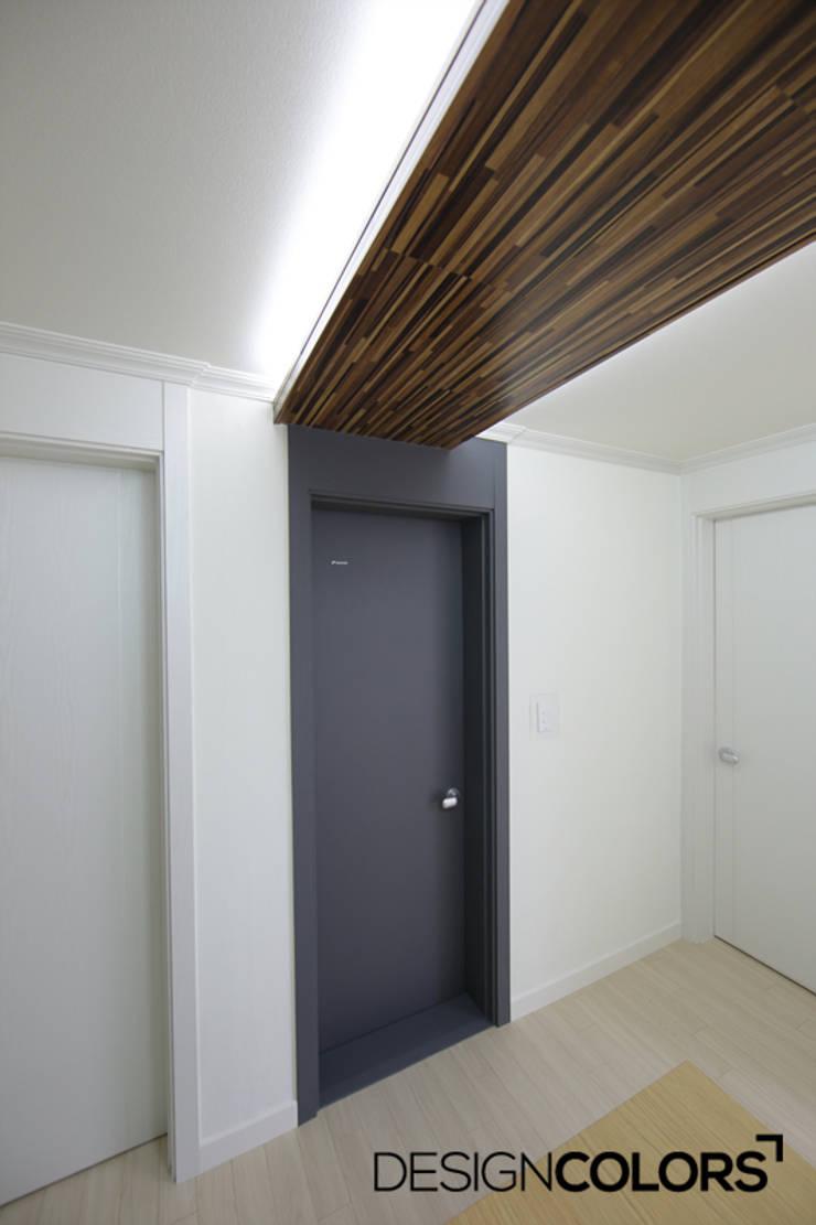 관악구 신림동 쌍용아파트 인테리어 : DESIGNCOLORS의  주방,