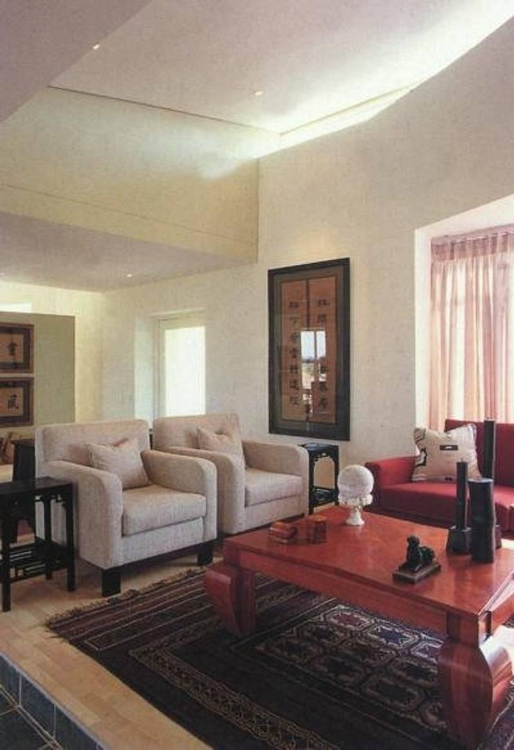 Living room by CKW Lifestyle Associates PTY Ltd, Modern