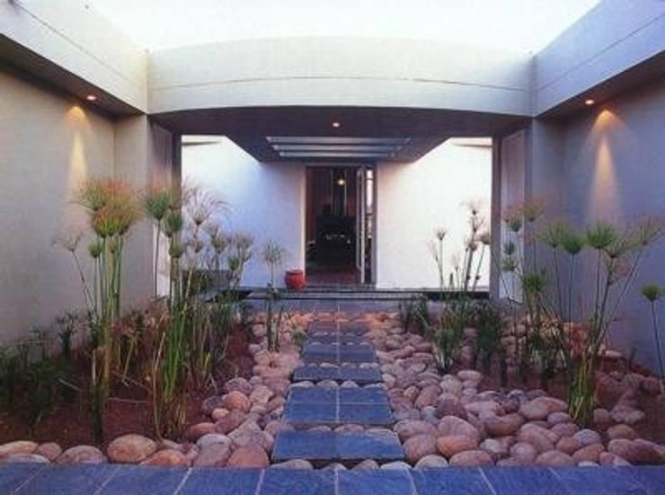 Multi-Family house by CKW Lifestyle Associates PTY Ltd, Modern
