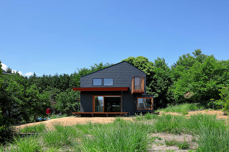 TabHouse: 稲山貴則 建築設計事務所が手掛けた家です。