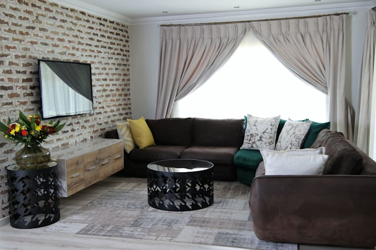 "Living Area: {:asian=>""asian"", :classic=>""classic"", :colonial=>""colonial"", :country=>""country"", :eclectic=>""eclectic"", :industrial=>""industrial"", :mediterranean=>""mediterranean"", :minimalist=>""minimalist"", :modern=>""modern"", :rustic=>""rustic"", :scandinavian=>""scandinavian"", :tropical=>""tropical""}  by Motama Interiors and Exteriors,"