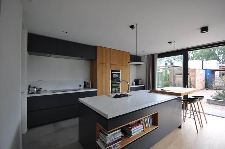 Küche von Bongers Architecten, Modern