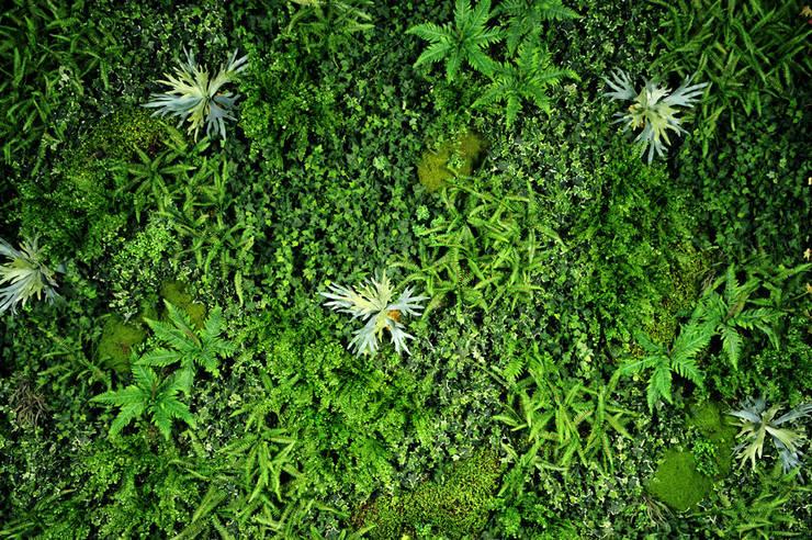 Jardim Vertical Permanente (Artificial): Jardim  por Vertical Garden - Jardim Vertical e Paisagismo Corporativo