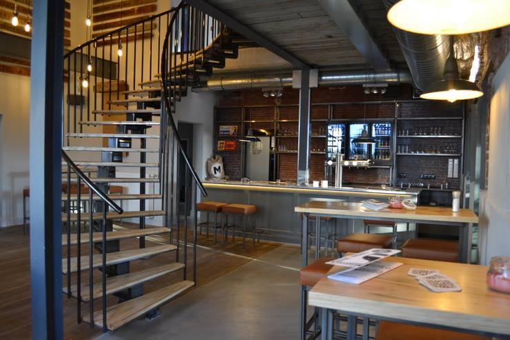 bierlokaal:  Bars & clubs door Bob Nisters, Industrieel