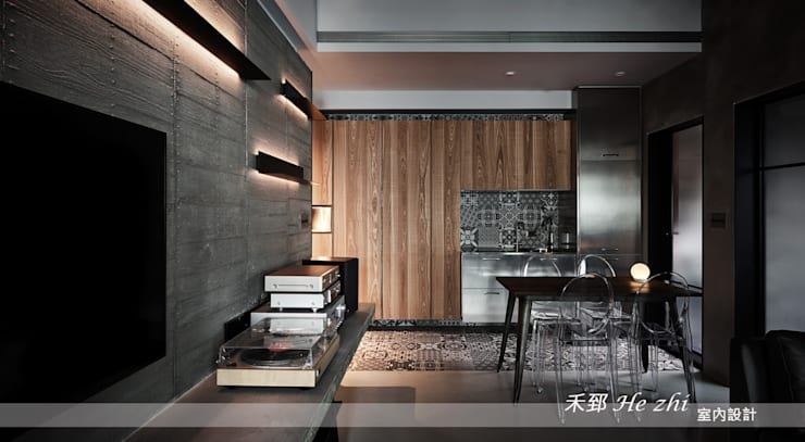 藏.密:  客廳 by 禾郅 室內設計