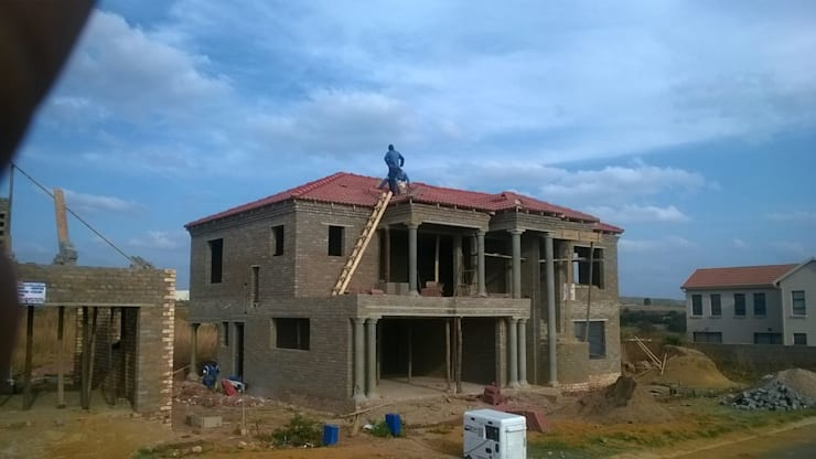 Building contractor:   by EPR HOLDINGS