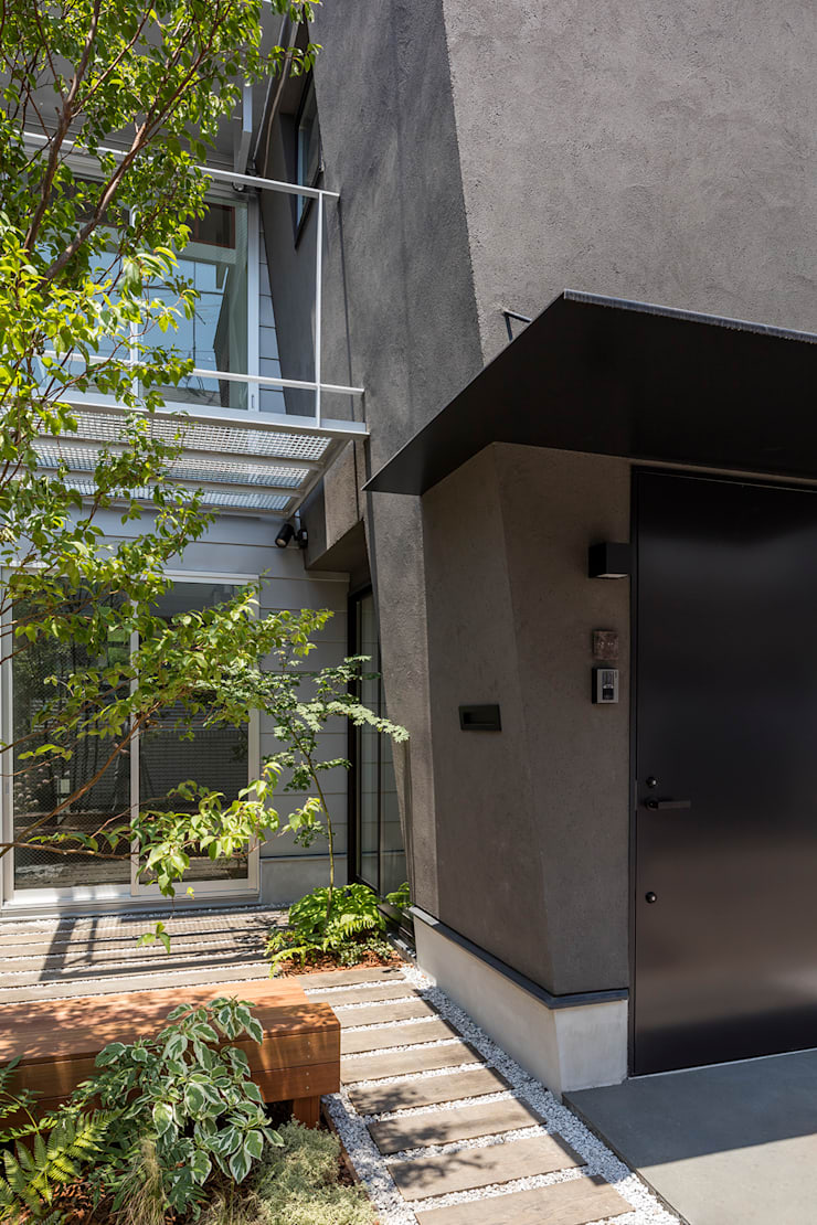de 前田篤伸建築都市設計事務所 Moderno