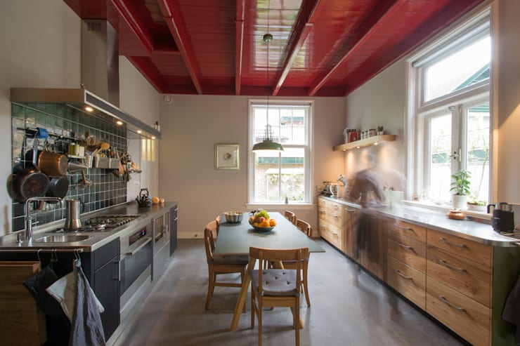 Cocinas de estilo moderno por Richèl Lubbers Architecten