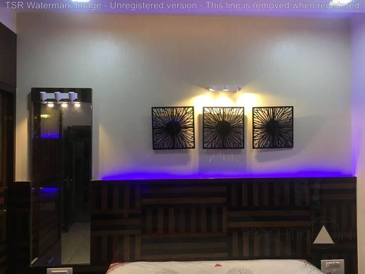 in stile  di Drashtikon designer consultant (kamal maniya)