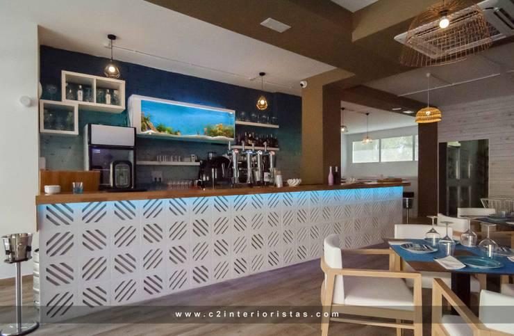 Restaurante Summer en Teatinos Málaga: Bares y Clubs de estilo  de C2INTERIORISTAS