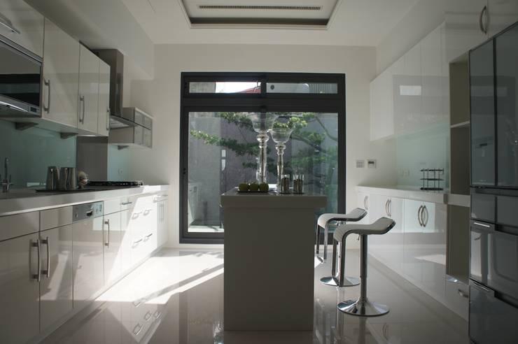 廚房:   by 安登建設有限公司