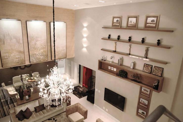 Apartamento – CLÁSSICO E CONTEMPORÂNEO: Salas de estar  por INSIDE ARQUITETURA E DESIGN