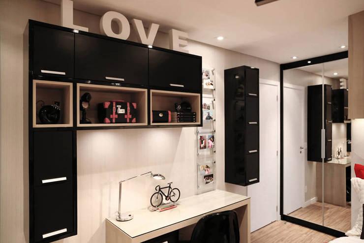 Apartamento - CLÁSSICO E CONTEMPORÂNEO: Quartos  por INSIDE ARQUITETURA E DESIGN