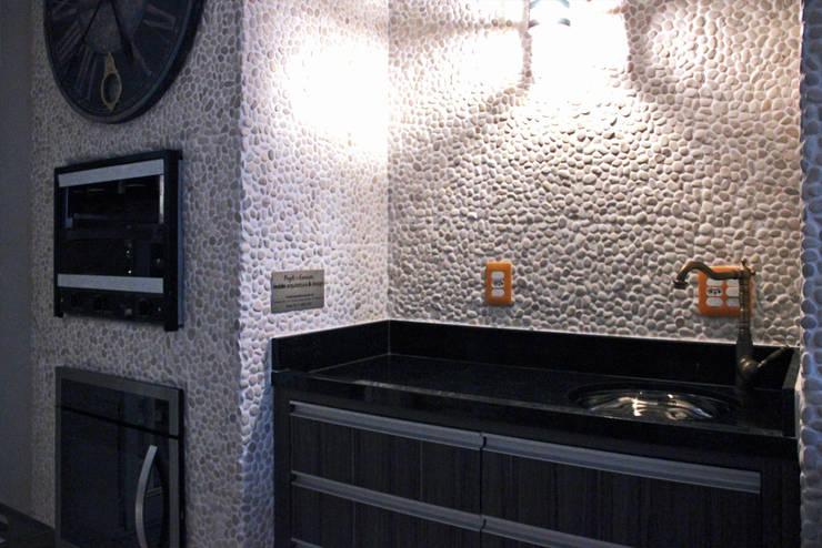 Apartamente – RÚSTICO-CHIC: Terraços  por INSIDE ARQUITETURA E DESIGN