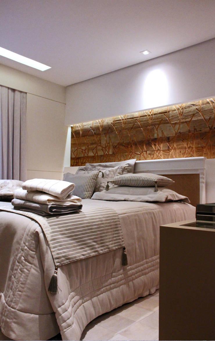 Apartamente – RÚSTICO-CHIC: Quartos  por INSIDE ARQUITETURA E DESIGN