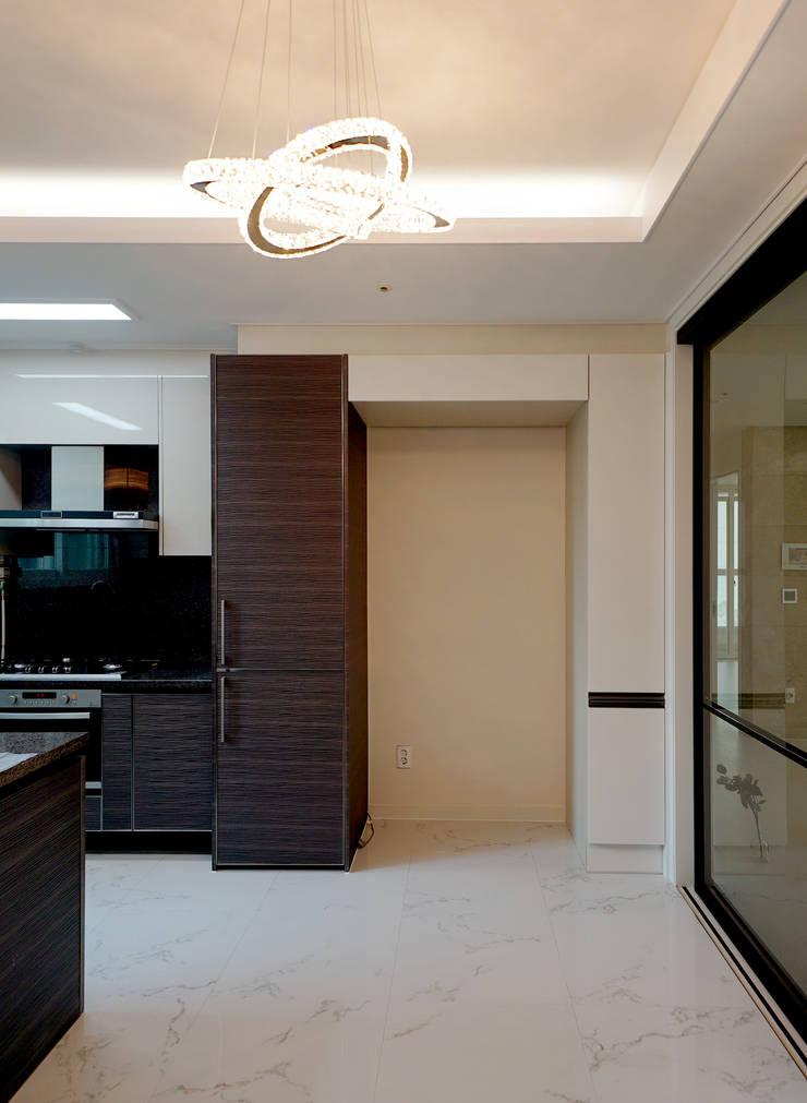 주방을 포인트로 만든 청라린스트라우스: 디자인 아버의  주방,에클레틱 (Eclectic)