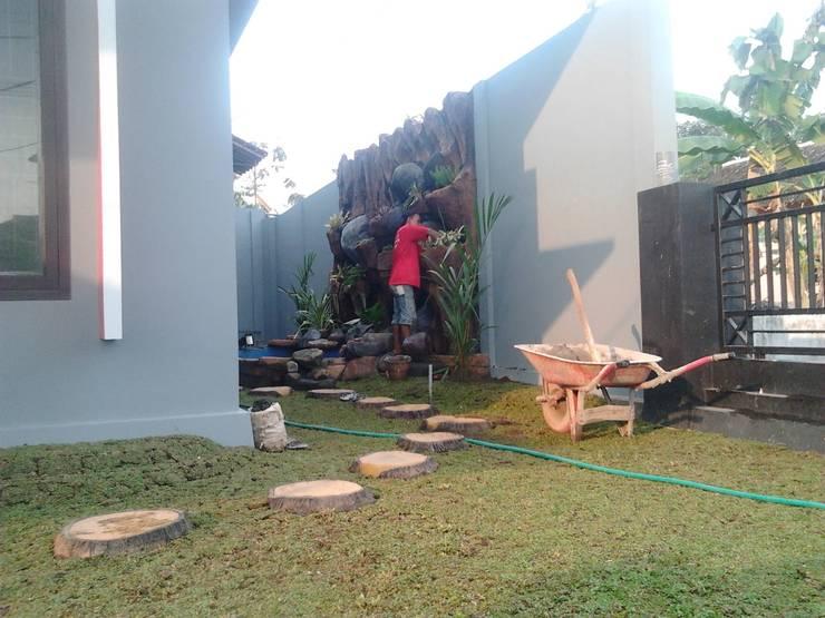 Jasa Pembuatan Relief Taman Tebing Surabaya:  Restoran by Tukang Taman Surabaya - flamboyanasri