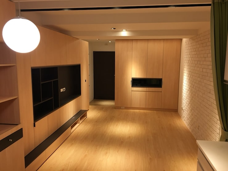 裝潢免百萬 利用現有格局及顏色的搭配 打造完美的家:  客廳 by 捷士空間設計(省錢裝潢)
