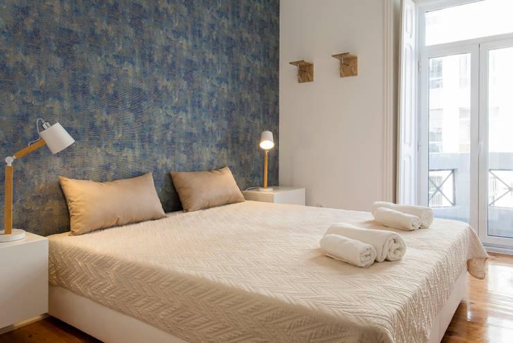 Twin Bed: Quarto  por Traço Magenta - Design de Interiores