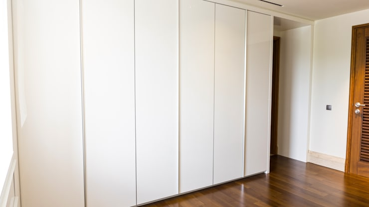 Child's Walk in Closet 4:  Dressing room by ARF interior