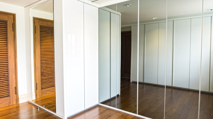 Child's Walk in Closet 6:  Dressing room by ARF interior