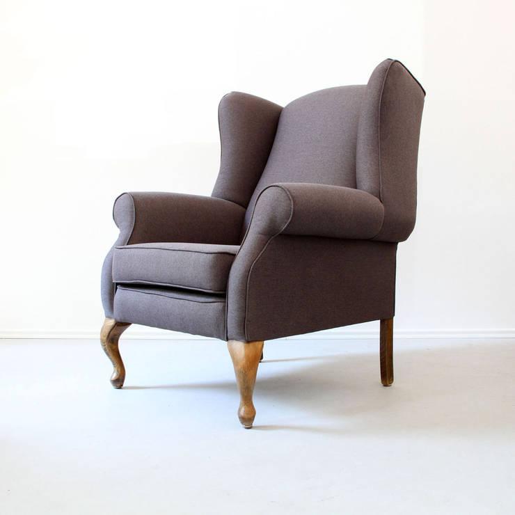 Aufgearbeitete Sessel:   von POLITURA Möbelmanufaktur und Polsterei in Berlin,Klassisch