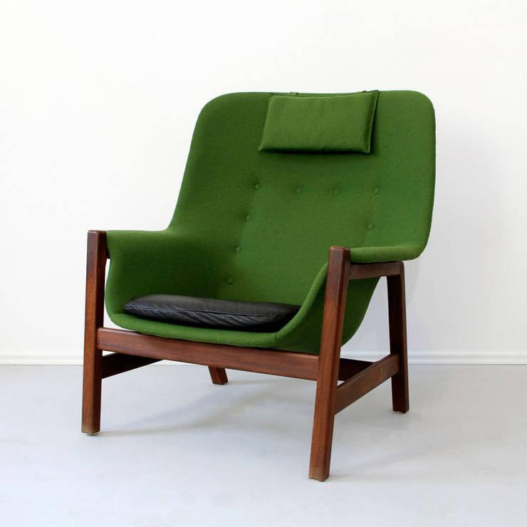 Aufgearbeitete Sessel:   von POLITURA Möbelmanufaktur und Polsterei in Berlin,Skandinavisch