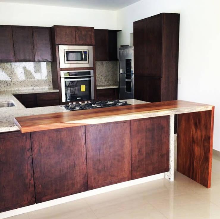 COCINA PARAÍSO : Cocinas equipadas de estilo  por EL DIVÁN Arquitectura & Diseño de Interiores