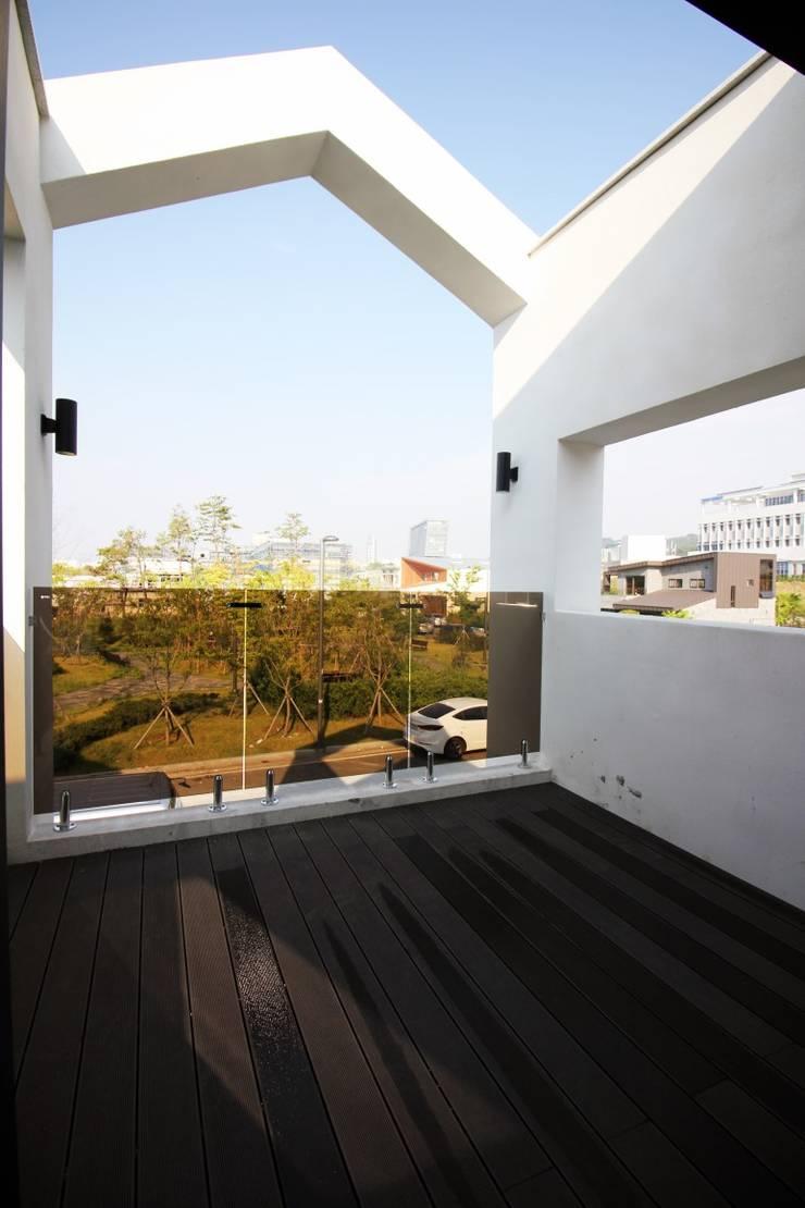 울산혁신도시 단독주택  <q>First Love</q>: GN건축사사무소의  일세대용 주택