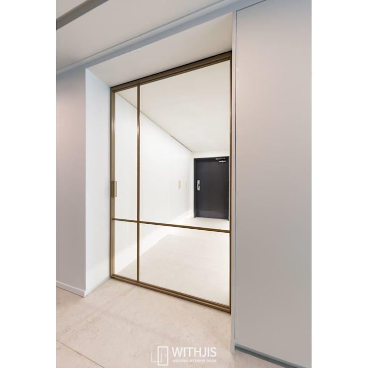 Corridor & hallway by WITHJIS(위드지스), Modern Aluminium/Zinc