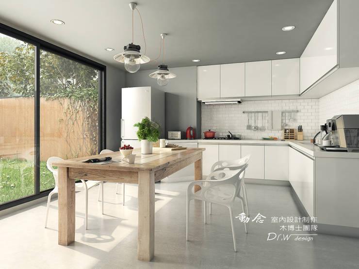 餐廳/廚房/歐式系統廚具/工業風:  系統廚具 by 木博士團隊/動念室內設計制作